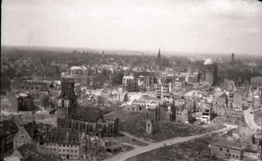 ARH NL Koberg 577, Rundblick von der Marktkirche auf das zerstörte Stadtzentrum, Hannover, 1947