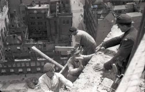 ARH NL Koberg 582, Sicherungsarbeiten am Turm der Marktkirche, Hannover, 1947