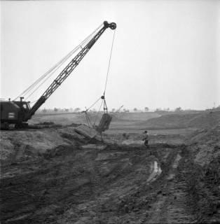 ARH BA 2398, Flughafen, Langenhagen - Besuch von MP Diederichs und Baustelle der neuen Startbahn, 1965