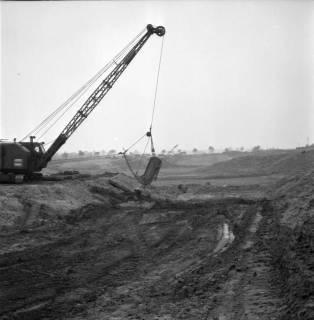 ARH BA 2399, Flughafen, Langenhagen - Besuch von MP Diederichs und Baustelle der neuen Startbahn, 1965
