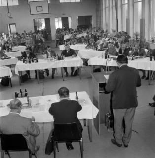 ARH BA 2442, Kreistagssitzung, Anderten, 1966