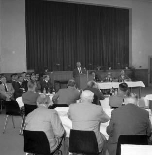 ARH BA 2444, Kreistagssitzung, Anderten, 1966