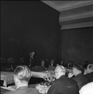 ARH BA 2464, Kreistagssitzung - Wahl des neuen Landrats, 1966
