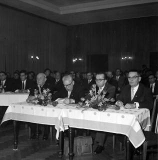 ARH BA 2465, Kreistagssitzung - Wahl des neuen Landrats, 1966