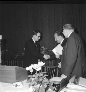 ARH BA 2469, Kreistagssitzung - Wahl des neuen Landrats, 1966