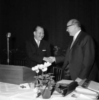 ARH BA 2470, Kreistagssitzung - Wahl des neuen Landrats, 1966