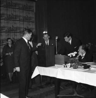 ARH BA 2473, Kreistagssitzung - Wahl des neuen Landrats, 1966