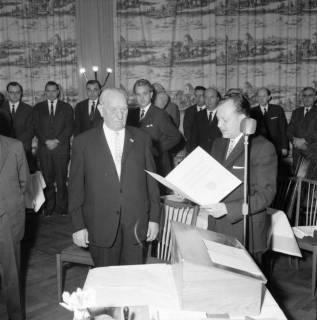 ARH BA 2477, Kreistagssitzung - Wahl des neuen Landrats, 1966