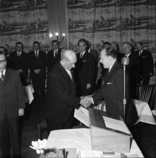 ARH BA 2479, Kreistagssitzung - Wahl des neuen Landrats, 1966