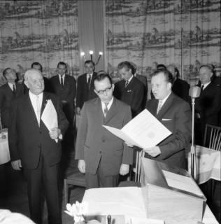 ARH BA 2480, Kreistagssitzung - Wahl des neuen Landrats, 1966