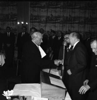 ARH BA 2482, Kreistagssitzung - Wahl des neuen Landrats, 1966
