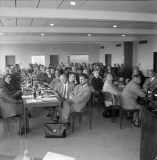 ARH BA 2488, Bürgermeisterversammlung im Verkehrsamt, Ronnenberg, 1966
