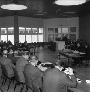 ARH BA 2513, Kreistagssitzung in der Geschwister-Scholl-Schule, Letter, 1966