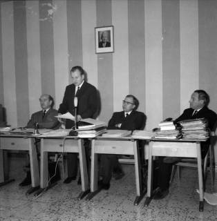 ARH BA 2530, Kreistagssitzung in der Pestalozzischule, Misburg, 1968