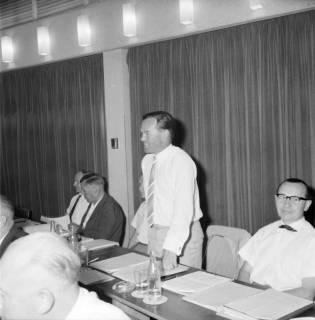 ARH BA 2544, Kreistagssitzung, Ahlem, 1968