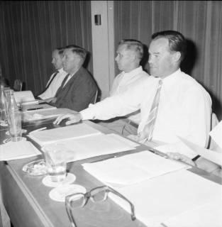 ARH BA 2545, Kreistagssitzung, Ahlem, 1968
