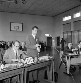 ARH BA 2554, Kreistagssitzung, Großgoltern, 1968