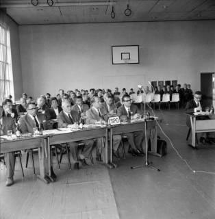 ARH BA 2559, Kreistagssitzung, Großgoltern, 1968