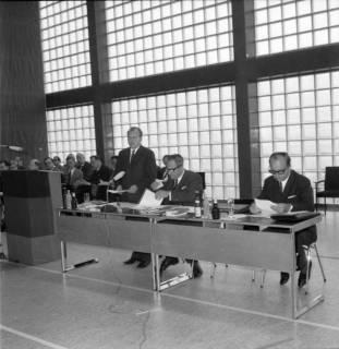 ARH BA 2467, Kreistagssitzung - Wahl des neuen Landrats, 1966