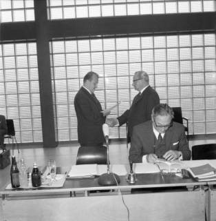 ARH BA 2568, Erste Kreistagssitzung, Anderten, 1968