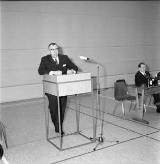ARH BA 2577, Kreistagssitzung in der Mehrzweckhalle, Barsinghausen, 1969