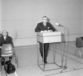ARH BA 2578, Kreistagssitzung in der Mehrzweckhalle, Barsinghausen, 1969