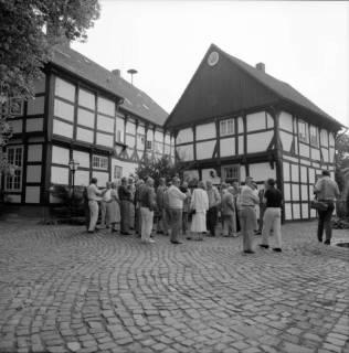 ARH BA 2599, Kreistagsrundfahrt - Besichtigung des Amtshauses, Bissendorf, 1990