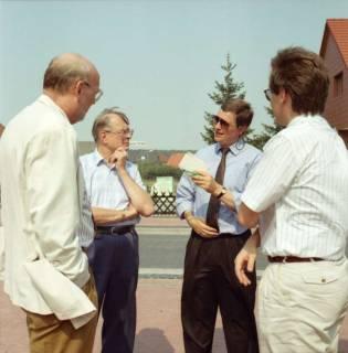 ARH BA 2610, Ortsdurchfahrt, Hagen - Einweihung mit LR Wicke und OKD Droste, 1990