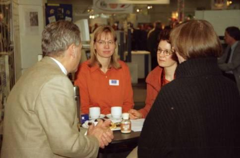 ARH BA 2623, LR Arndt besucht die Bildungsmesse, 2001