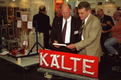 ARH BA 2631, LR Arndt Arndt besucht die Bildungsmesse, 2001