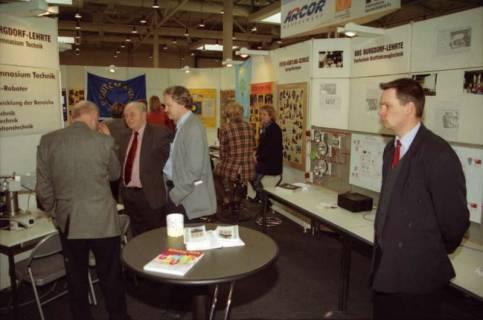 ARH BA 2635, LR Arndt Arndt besucht die Bildungsmesse, 2001