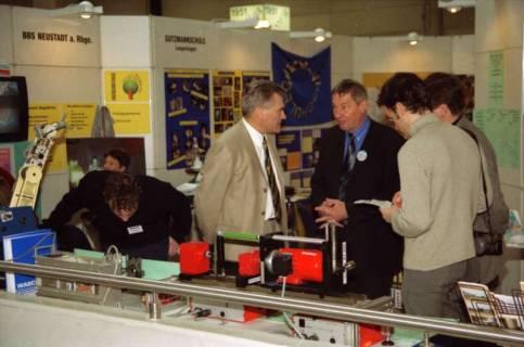 ARH BA 2644, LR Arndt Arndt besucht die Bildungsmesse, 2001