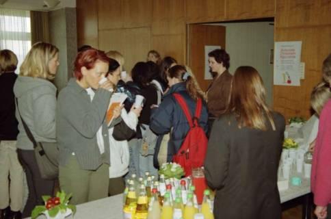ARH BA 2656, Gesundheitstag im Neuen Kreishaus, 2001