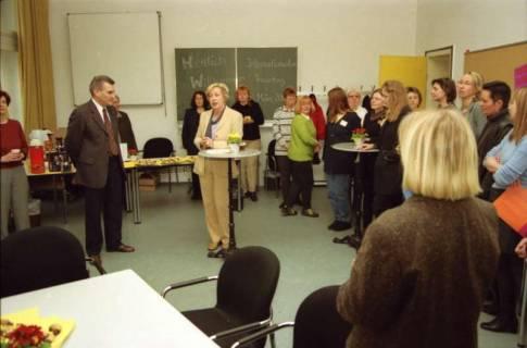 ARH BA 2659, Veranstaltung zum Internationalen Frauentag im Neuen Kreishaus, 2001