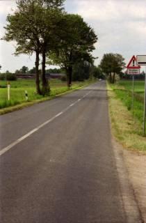 ARH BA 2698, LR Arndt gibt die K133 (Röhndamm, Burgdorf) für den Verkehr frei, 2001