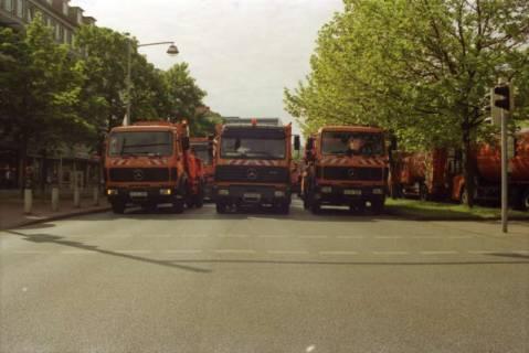 ARH BA 2701, Warnstreik der Gewerkschaft ver.di vor dem Kreishaus, Hannover, 2001