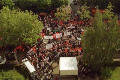 ARH BA 2713, Warnstreik der Gewerkschaft ver.di vor dem Kreishaus, Hannover, 2001