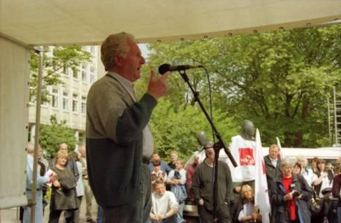 ARH BA 2721, Warnstreik der Gewerkschaft ver.di vor dem Kreishaus, Hannover, 2001