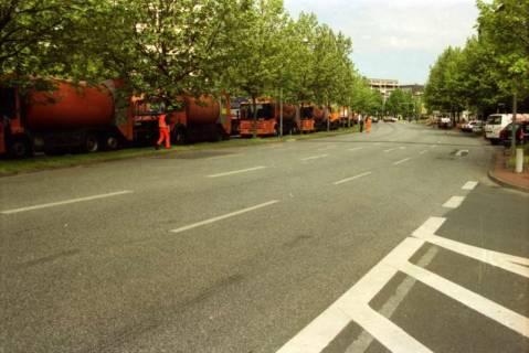 ARH BA 2735, Warnstreik der Gewerkschaft ver.di vor dem Kreishaus, Hannover, 2001