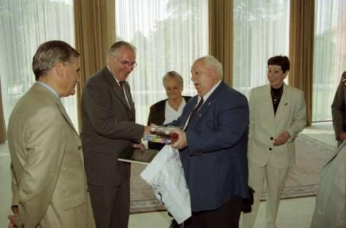 ARH BA 2772, LT-Präs. Wernstedt empfängt LR Arndt und Benny Gurfinkel, 2001