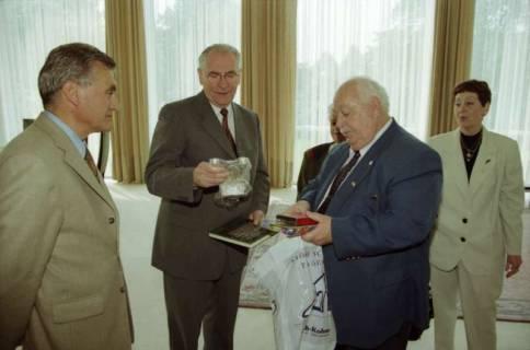 ARH BA 2774, LT-Präs. Wernstedt empfängt LR Arndt und Benny Gurfinkel, 2001