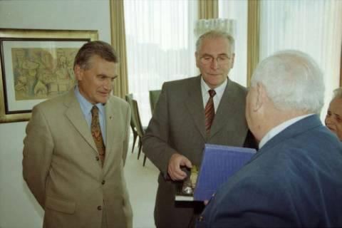 ARH BA 2777, LT-Präs. Wernstedt empfängt LR Arndt und Benny Gurfinkel, 2001