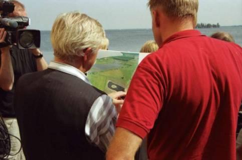 ARH BA 2785, Bundesumweltminister Trittin zu Besuch am Steinhuder Meer, 2001