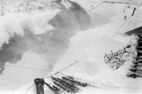 ARH NL Dierssen 0102/0005, Schneesturm an der Flakstellung, um 1944