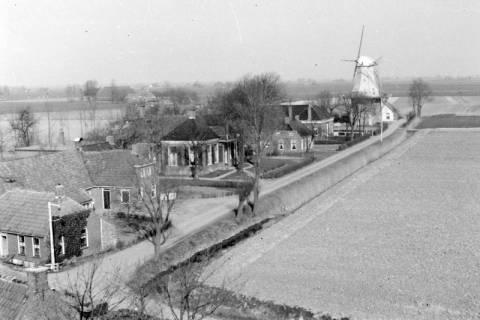 ARH NL Dierssen 0103/0002, Häuser und Mühle in der Nähe von Groningen, um 1945