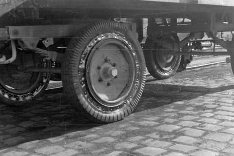 """ARH NL Dierssen 0103/0013, Anhänger mit """"Agito-Patent-Rad"""", 1946"""