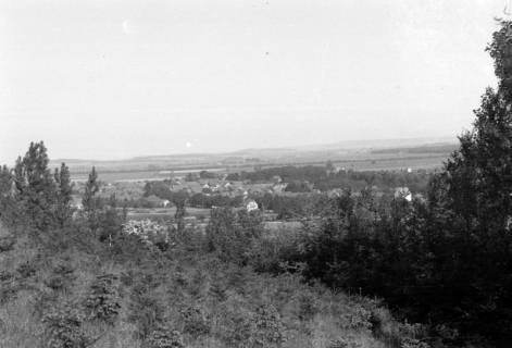 ARH NL Dierssen 0103/0017, Blick vom Ebersberg auf Springe, 1946