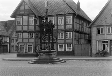 ARH NL Dierssen 0104/0023, Marienbrunnen, zwischen 1946/1947