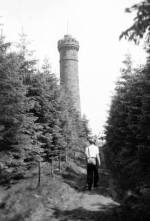 ARH NL Dierssen 0107/0022, Pfingstwanderung am Süntel, Süntelturm, zwischen 1946/1947
