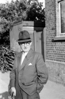 ARH NL Dierssen 0108/0018, Vater von Dierssen bei Familie Schmull, 1947